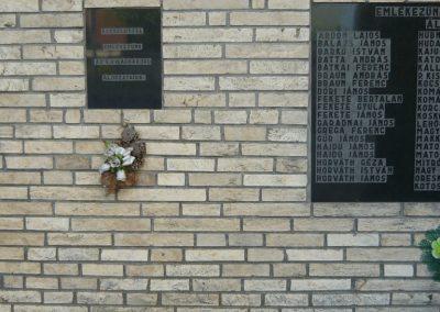 Olaszliszka világháborús emlékmű 2009.05.09.küldő-Ágca (1)