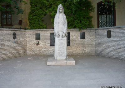 Olaszliszka világháborús emlékmű 2009.05.09.küldő-Ágca (4)