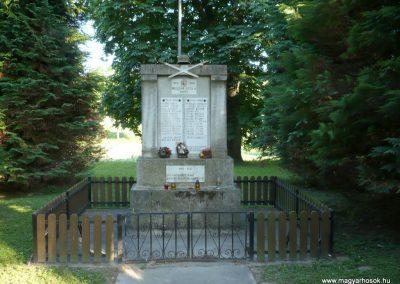 Oltárc világháborús emlékmű 2010.06.29. küldő-Sümec (1)