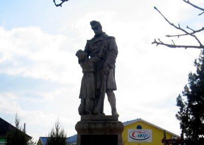 Onga világháborús emlékmű 2009.03.21. küldő-kalyhas (2)