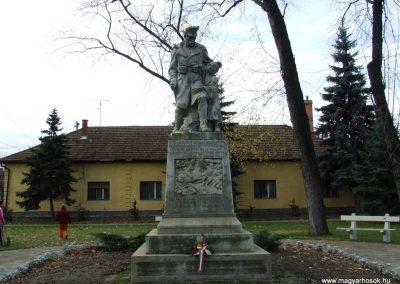 Orgovány világháborús emlékmű 2007.11.12.küldő-Markó Péter (3)