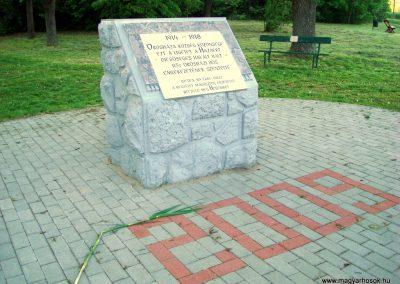 Orosháza - Gyopárosfürdő világháborús emléktábla 2010.04.30. küldő-Szedlák Izabella