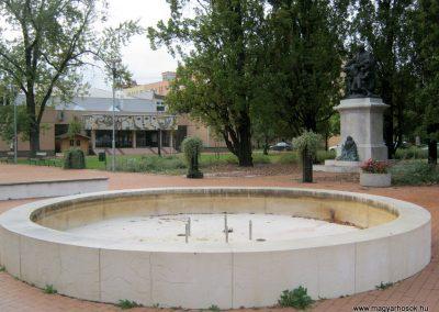 Orosháza felújított I. világháborús emlékmű 2014.10.25. küldő-Emese