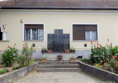 Ortaháza világháborús emlékmű 2016.08.13. küldő-kalyhas (1)