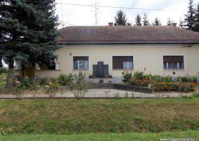 Ortaháza világháborús emlékmű 2016.08.13. küldő-kalyhas