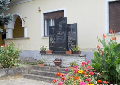 Ortaháza világháborús emlékmű 2016.08.13. küldő-kalyhas (6)