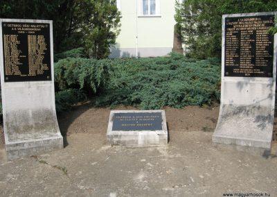 Ostoros világháborús emlékmű 2007.06.15. küldő-kalyhas