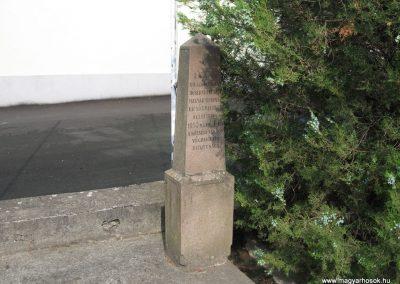 Ostoros világháborús emlékmű 2007.06.15. küldő-kalyhas (6)