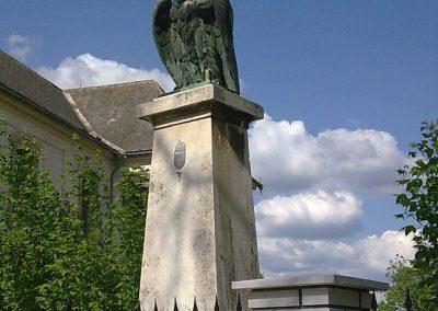 Ozora I.vh emlékmű 2010.05.02. küldő-Horváth Zsolt (3)