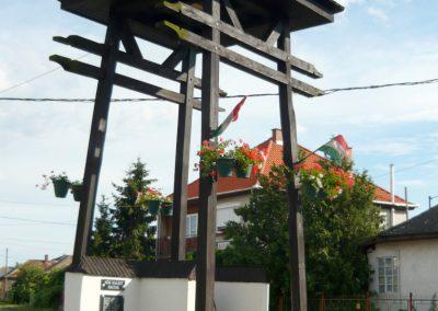 Pácin világháborús emlékmű- felújítás után 2010.07.04. küldő-Ágca (9)
