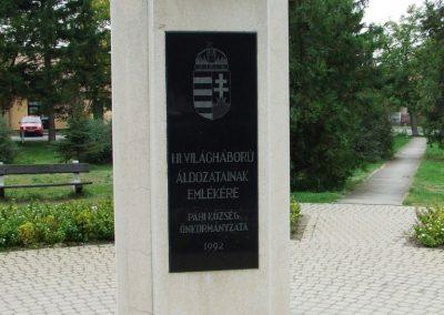 Páhi világháború emlékmű 2007.10.04. küldő-Markó Péter (1)