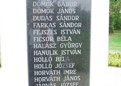 Páhi világháború emlékmű 2007.10.04. küldő-Markó Péter (2)