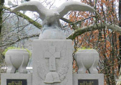 Páka felújított világháborús emlékmű 2017.12.01. küldő-Huber Csabáné (1)