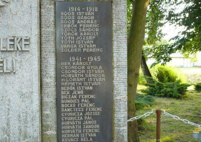 Páka világháborús emlékmű 2009.05.23.küldő-Sümec (4)