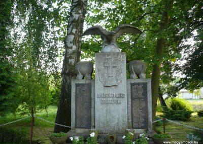 Páka világháborús emlékmű 2009.05.23.küldő-Sümec (5)