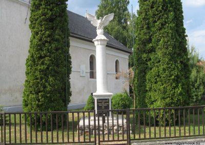 Pálháza Hősi emlékmű 2009.05.22.küldő-kalyhas (6)