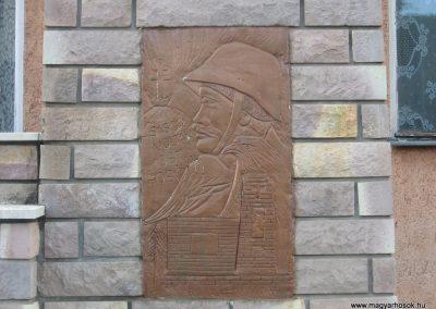 Pálosvörösmart világháborús emlékmű 2009.06.28.küldő-kalyhas (5)