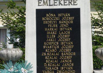 Pápa-Borsosgyőr világháborús emlékmű 2009.07.01.küldő-Sümec (2)