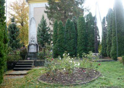 Pápakovácsi világháborús emlékmű 2013.10.18. küldő-Sümec