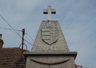 Pápoc és Szentmiklósfa világháborús emlékmű 2009.05.15.küldő-Sümec (1)