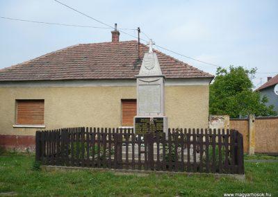 Pápoc és Szentmiklósfa világháborús emlékmű 2009.05.15.küldő-Sümec (4)