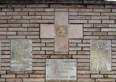 Pásztó II.vh emlékmű 2008.02.10. küldő-Mónika39 (1)