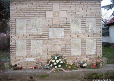 Pásztó II.vh emlékmű 2008.02.10. küldő-Mónika39