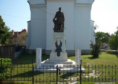 Páty világháborús emlékmű 2009.08.03. küldő-Sümec