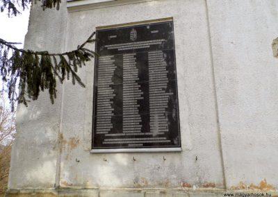 II. világháborús emléktábla, Pázmánd, katolikus templom falán