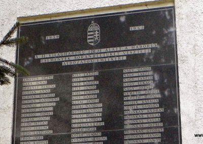 Pázmánd világháborús emléktáblák 2015.01.17. küldő-Méri (8)