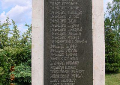 Pázmándfalu Világháborús emlékművek 2007.05.10.küldő-Markó Peti (2)