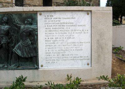 Pécs I.vh emlékmű 2011.04.23. küldő-kalyhas (10)