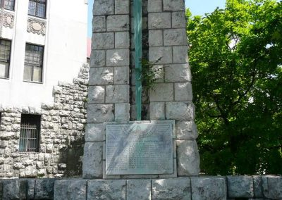 Pécs I.vh-s vasutas emlékmű 2008.06.04.küldő-V3t3r4n