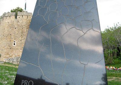 Pécs II.vh emlékmű 2011.04.23. küldő-kalyhas (2)