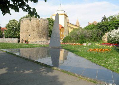 Pécs II.vh emlékmű 2011.04.23. küldő-kalyhas