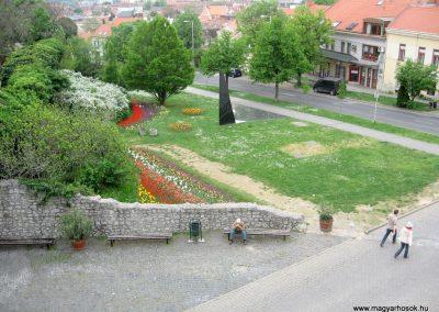 Pécs II.vh emlékmű 2011.04.23. küldő-kalyhas (7)