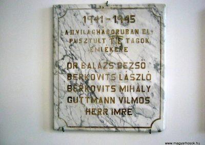 Pécs - Laubert Dezső sportcsarnok - I. és II. világháborús emléktáblák 2016.07.22. küldő-Emese (3)