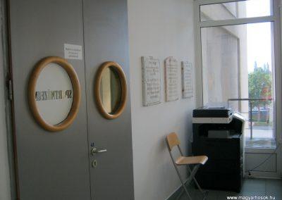 Pécs - Laubert Dezső sportcsarnok - I. és II. világháborús emléktáblák 2016.07.22. küldő-Emese