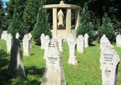 Pécs - köztemető - I. világháborús emlékmű és katonasírok 2016.07.18. küldő-Emese (8)
