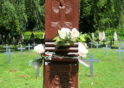 Pécs - köztemető - II. világháborús emlékmű és katonasírok 2016.07.18. küldő-Emese (3)