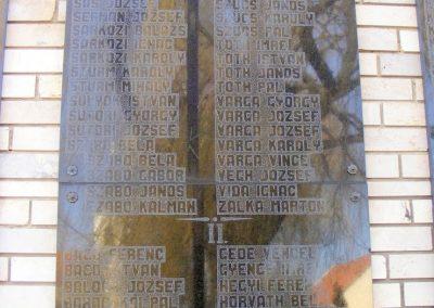 Pér hősi emlékmű 2013.03.04. küldő-Méri (3)