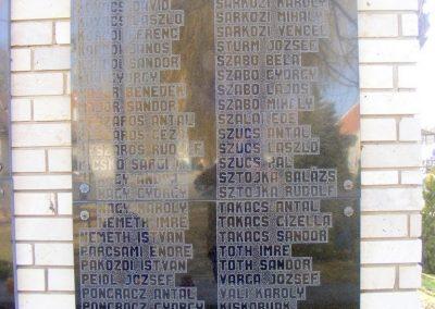 Pér hősi emlékmű 2013.03.04. küldő-Méri (4)