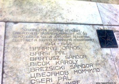 Péterréve II. világháborús emlékmű 2012.05.05. küldő-Turul 68 (3)