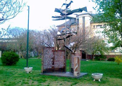 Pétfürdő II.vh emlékmű 2011.04.18. küldő-Csiszár Lehel