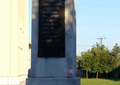 Pókaszepetk világháborús emlékmű 2007.07.25.küldő-HunMi (2)