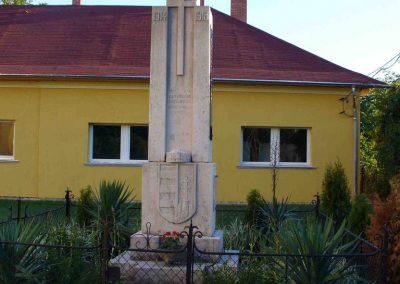 Pókaszepetk világháborús emlékmű 2007.07.25.küldő-HunMi