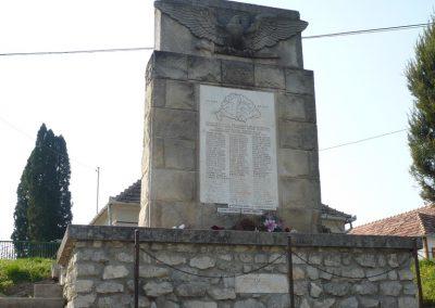 Pölöske világháborús emlékmű 2009.04.12.küldő-Sümec (5)