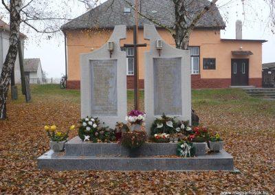 Pölöskefő világháborús emlékmű 2009.11.21.küldő-Sümec
