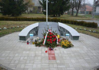 Pötréte I.vh emlékmű 2009.11.21. küldő-Ágca