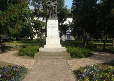 Püspökladány világháborús emlékmű 2009.05.16. küldő-Huszár Peti